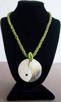 Collier Yin Yang coquillages